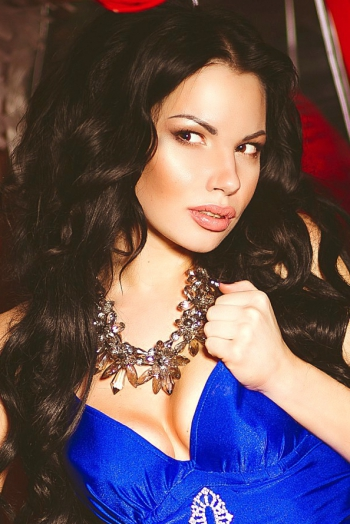 Ukrainian girl Katerina,29 years old with black eyes and black hair.