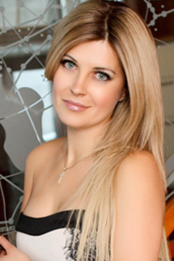 Ukrainian girl Elena,41 years old with  eyes and  hair.