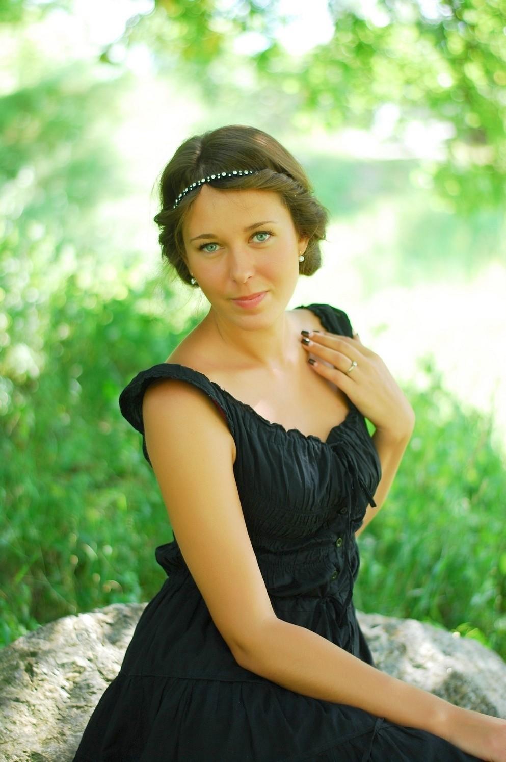 Ukrainian Single Girl (Bride): Victoria eyes, 25 years old